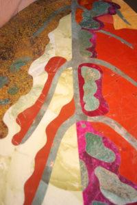 """détail de la """"feuille"""" motif inspiré d'une feuille d'automne"""