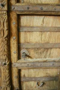 chacune avec ses particularités: la veine du bois et sa patine