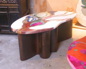 """table basse """"Minérale"""" création Samarkande 2019 Inspirée du monde minéral. Piétement original en tôle de fer, modèle """"main"""""""